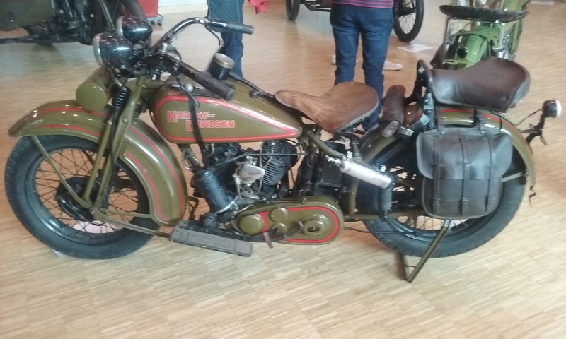Les vieilles Harley....(ante 84) par Forum Passion-Harley - Page 38 20160736