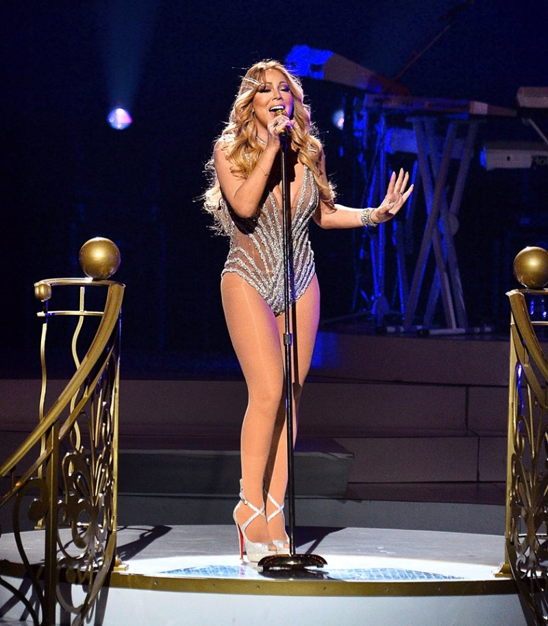 Mariah en résidence à Las Vegas - Page 5 13507110