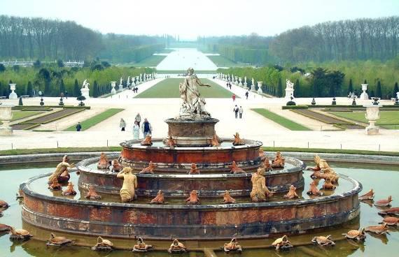 """Emission """"Un jour dans l'Histoire"""" sur Versailles 16645c10"""