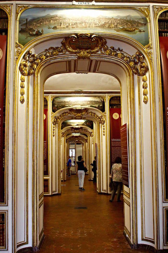 A deux pas du Château, la bibliothèque de Versailles  Bibli_10