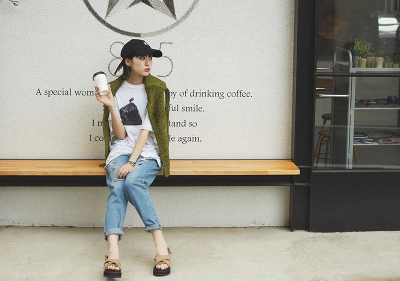Sumire Fashion Article in MERY Sumire10