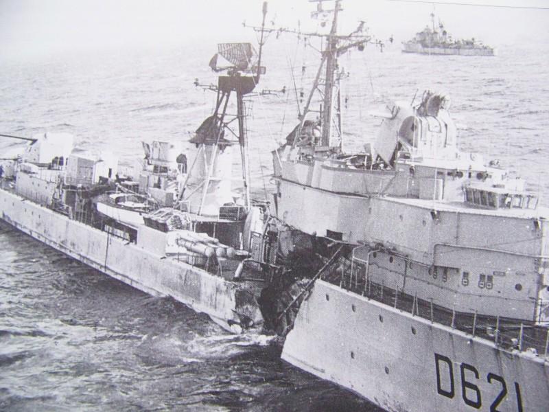 La fin de l'escorteur d'escadre SURCOUF 1/400 D621_s12