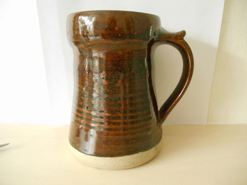 I A initials on tenmoku glazed large tankard - Ian Auld? Help identify plea 00110
