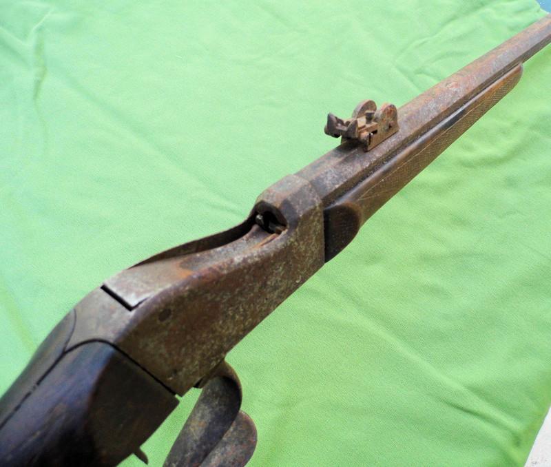 Une carabine de tir en 22lr d'origine inconnue, à restaurer. Martin18