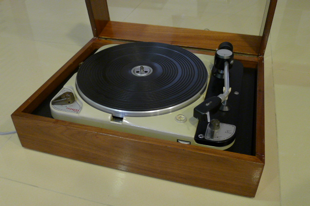 Vintage Thorens TD 124 Turntable with Thorens BTD-12S Tonearm (Used) SOLD P1120230