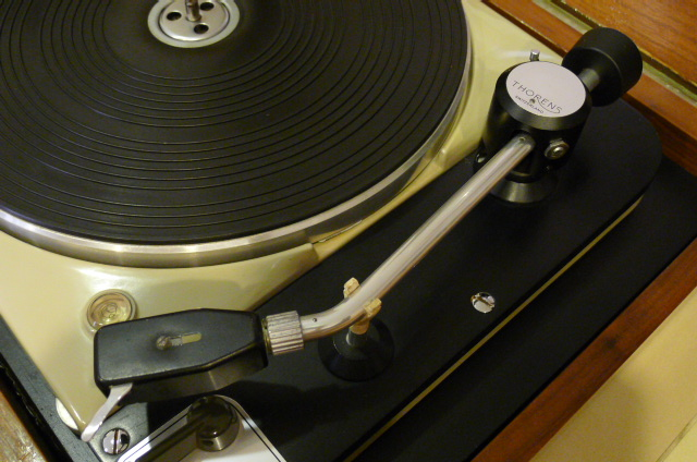 Vintage Thorens TD 124 Turntable with Thorens BTD-12S Tonearm (Used) SOLD P1120232