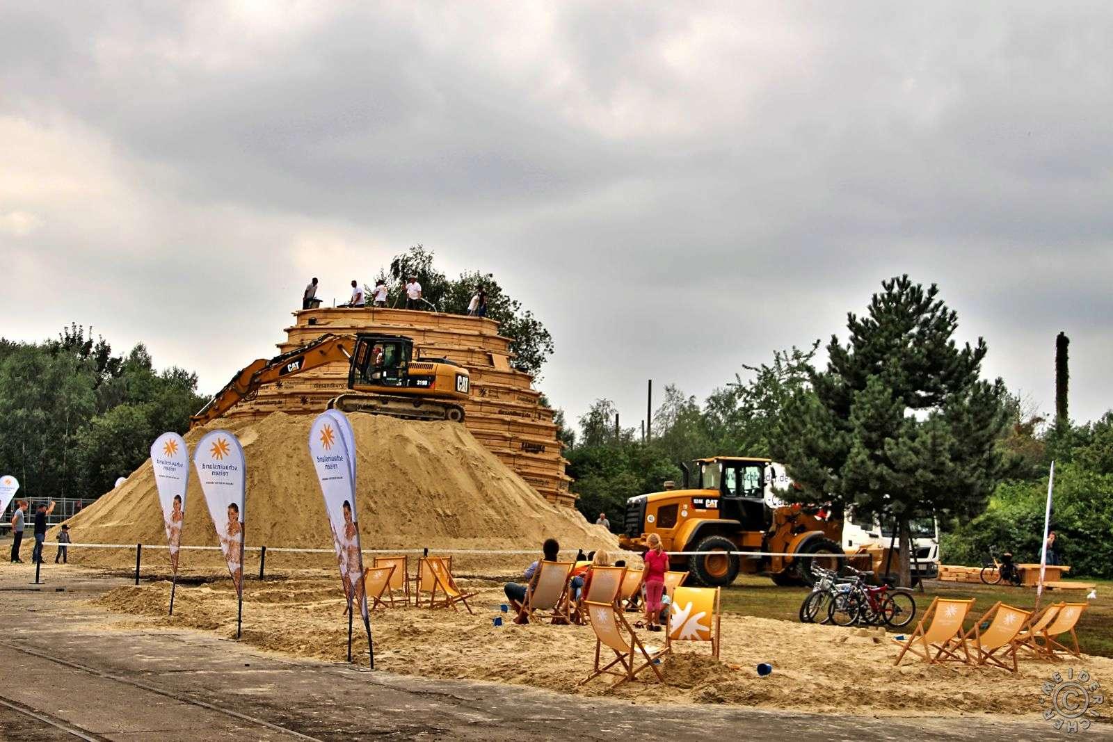 Duisburg will mit weltgrößter Sandburg ins Guinness-Buch 119