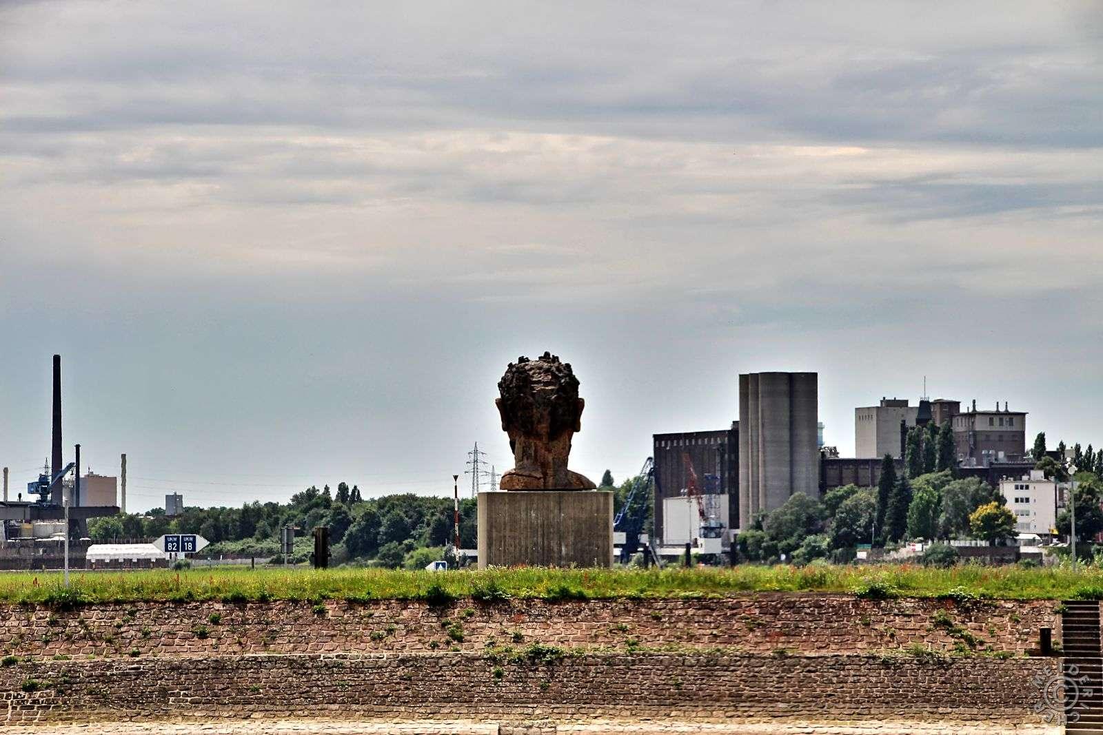 Duisburg Ruhrort 810