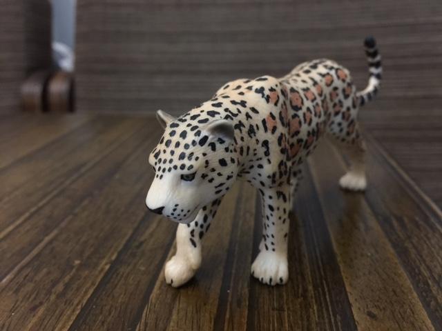 Mojo Fun 387018 Leopard - New Paintwork Img_1114