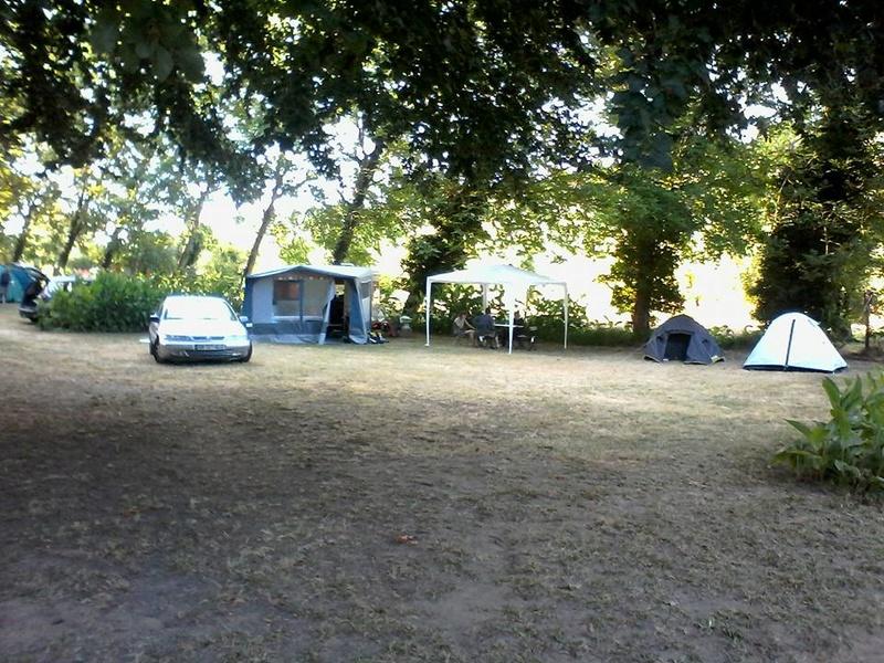 Deux campings : Marcilly sur Vienne et La Rivière de Prats (Gironde) 13876110