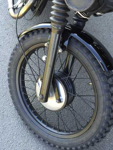 Taille des pneus sur TS 125  _57_410