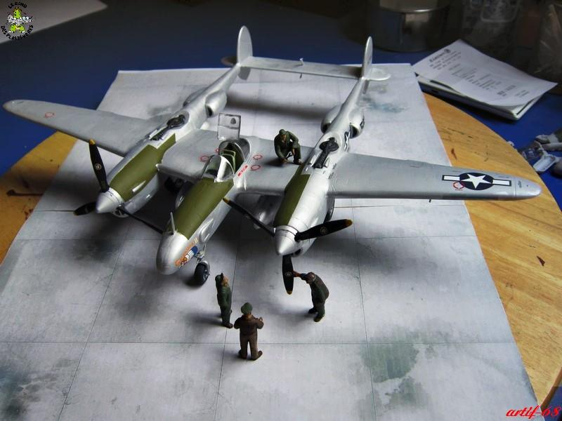 P-38/F-5E Lightning (rajout des 4 zings) Img_4533