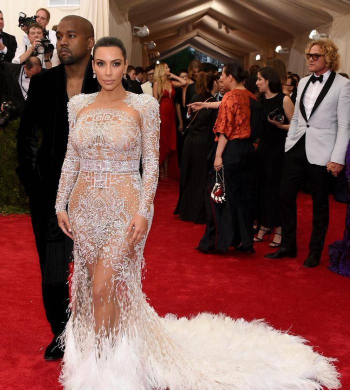 Kim  Kardashian, nouvelle Marie Antoinette  Kanye-10
