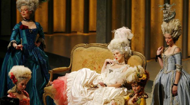 Interview de Marie-Antoinette  Rtr1mu10