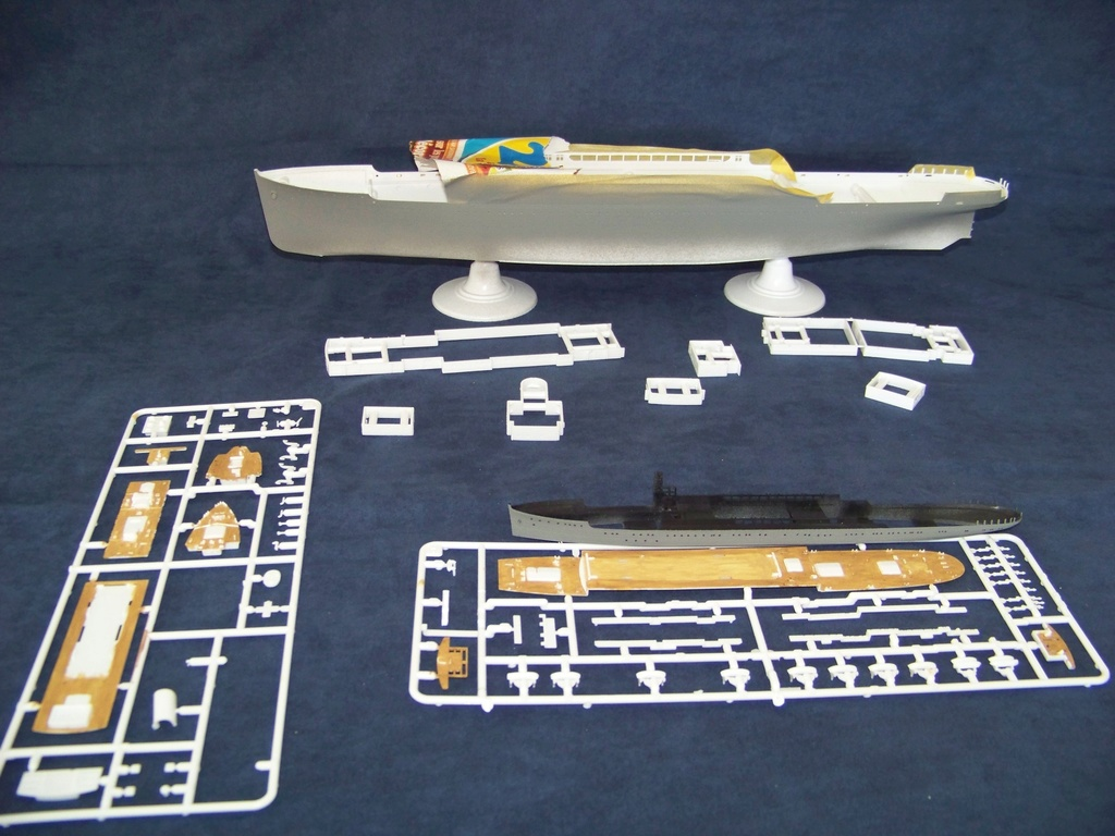 Paquebot mixte Hikawa Maru, pont bois, photo-découpe, Hasegawa 1/350. Deux_h11