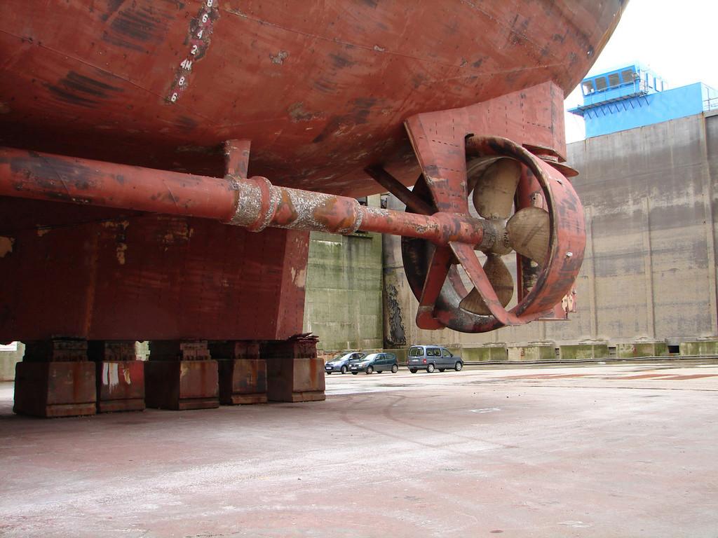 "US ""EX"" ARMY 74 ST TUG 1/48 - Page 6 Dsc04210"