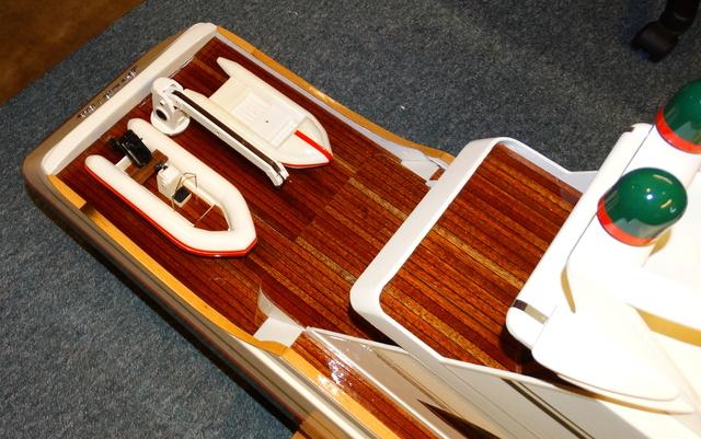 Fantasie-Luxusyacht Eigenbau - Seite 8 Dsc05913
