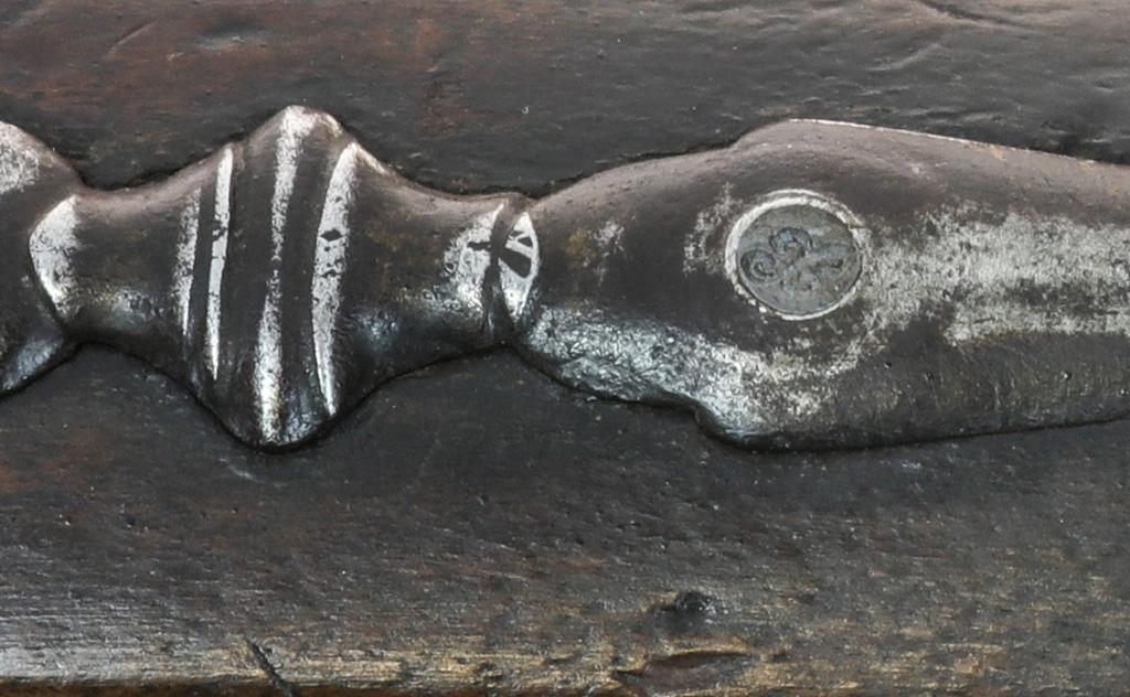 Identification d'un fusil à silex militaire vers 1750. Llllll10