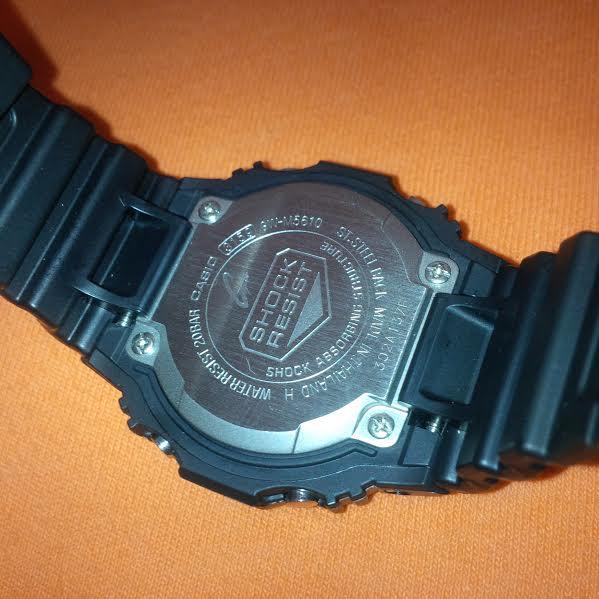GW-M5610-1ER.  Ma première G-Shock. Fond_d12