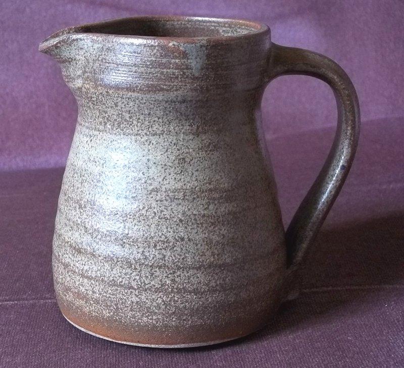 Stoneware jug MSB - Bill Hedge, Mount St Bernard Pottery 100_3151