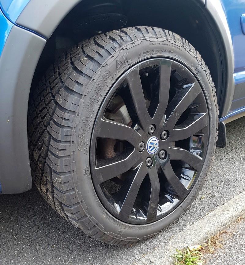 [VENDU] Lot de roues 10X20 Range Sport et pneus Grabber A/T 275/40R20 Roue_t14