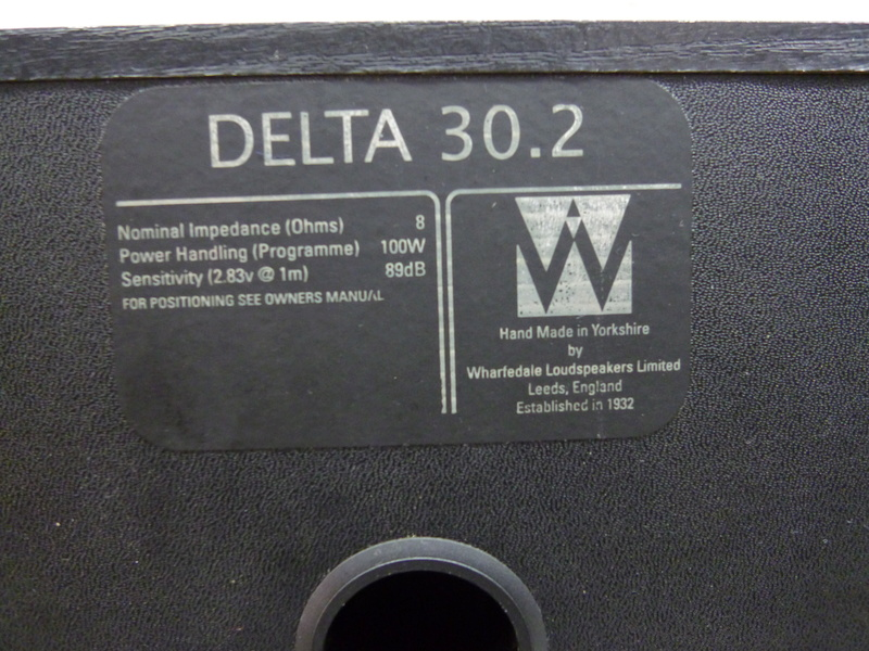 Wharfedale Delta 30.2's Bookshelf speaker (Sold) P1020213