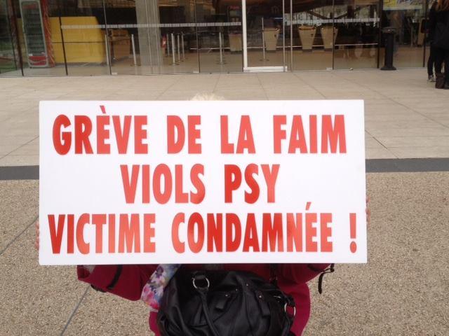 grève de la faim depuis avril 2016 devant l'Ordre des Médecins, au Mans, sur cette affaire.