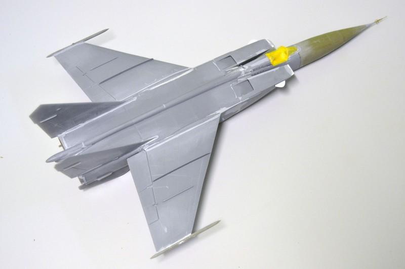 MIG 25 R  (Condor+Armory ) - Page 3 002_8010