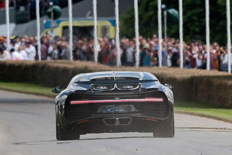 2016 - [Bugatti] Chiron  - Page 15 Bugatt15