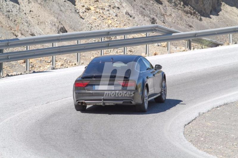 2017 - [Audi] A7 Sportback II Mula-d15