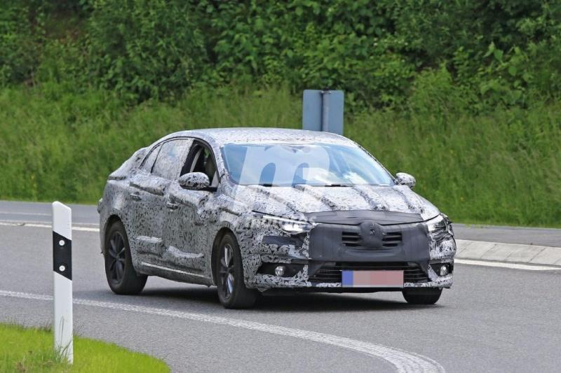 2016 - [Renault] Megane Sedan (LFF) - Page 3 Renaul10