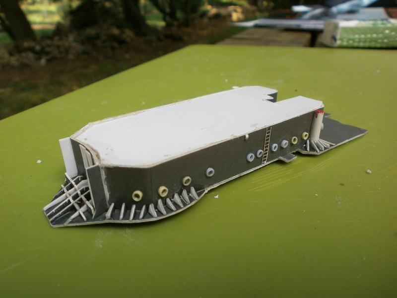 IJN YUBARI paper-card model au 1/200 de ADW MODEL - Page 2 P7250010