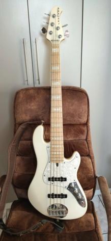 """Por que """"Fender é Fender""""? - Página 3 Img_2061"""