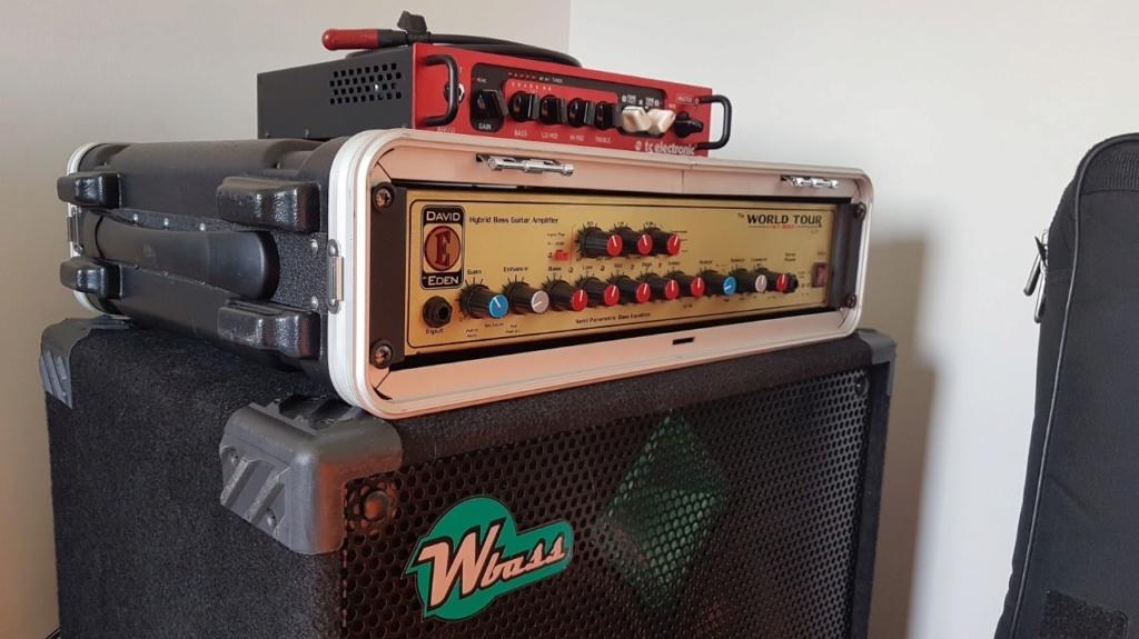 Roland Cube 60XL x TC Electronic BG-250 208 - Dilema bom! Whatsa11