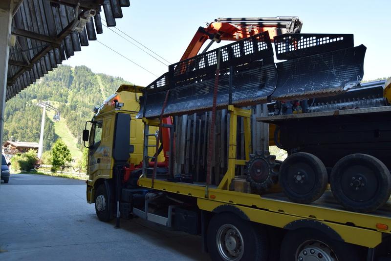 Livraison, transport & SAV Pistenbully Dsc_0114