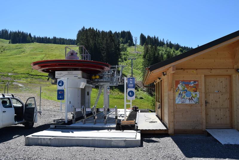 Les gares des télésièges fixes G1-tsf10