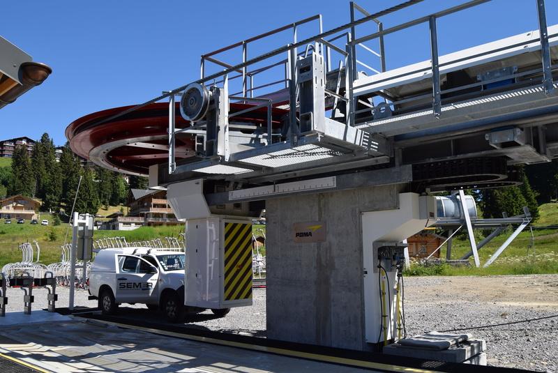 Les gares des télésièges fixes G1-tsf12