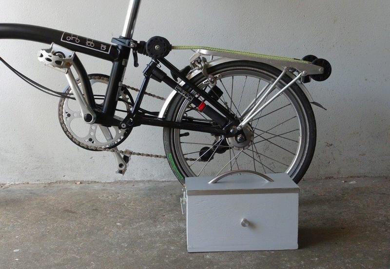 Petit coffre pour porte bagages Brompton Dsc02010