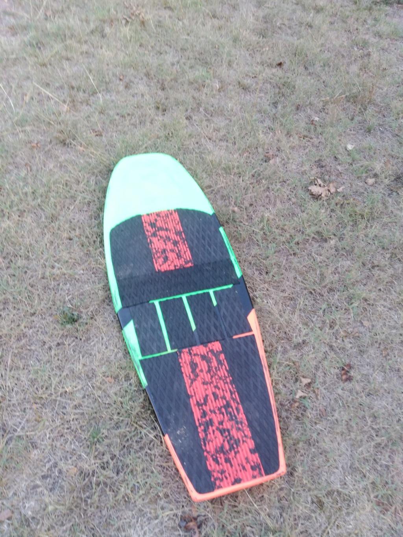 Board carbone pour platine 125X46 250e Img_2014