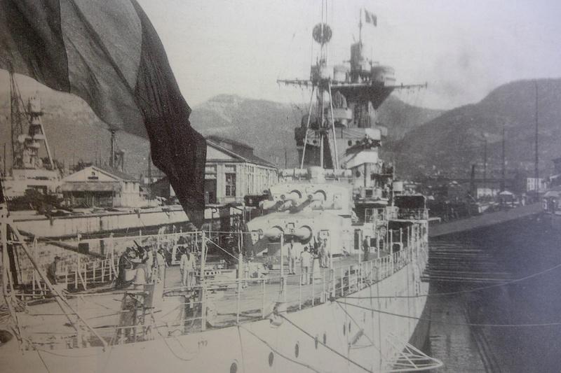 [1/400] Croiseur Algérie Maquet13