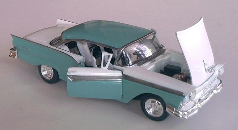Ford Fairlane von AMT 1/25 & Hemi Cuda Ford_f10