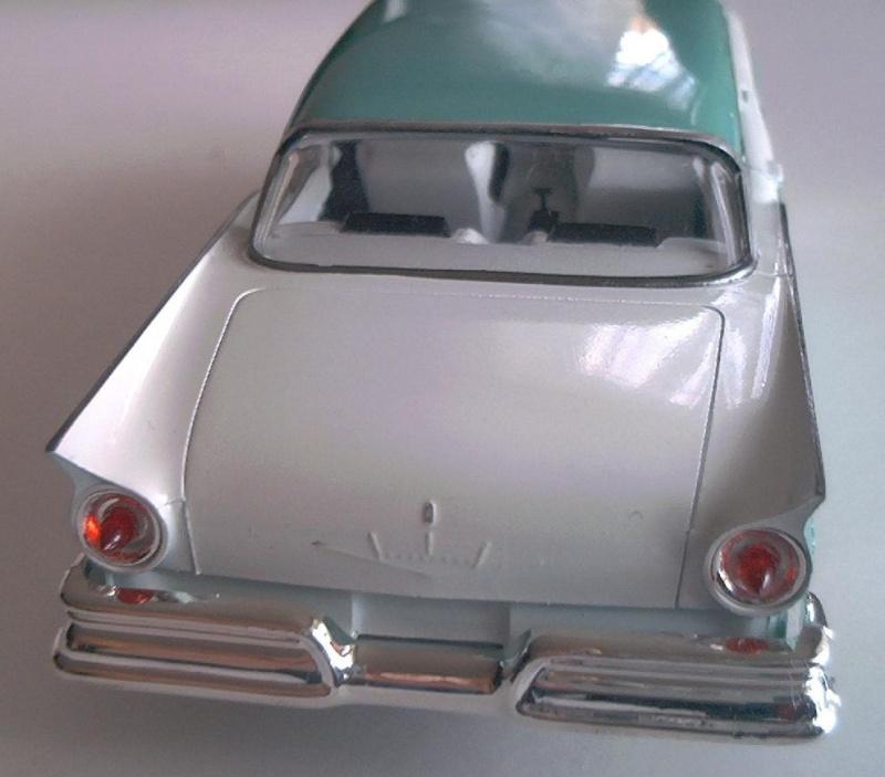 Ford Fairlane von AMT 1/25 & Hemi Cuda Ford_f11
