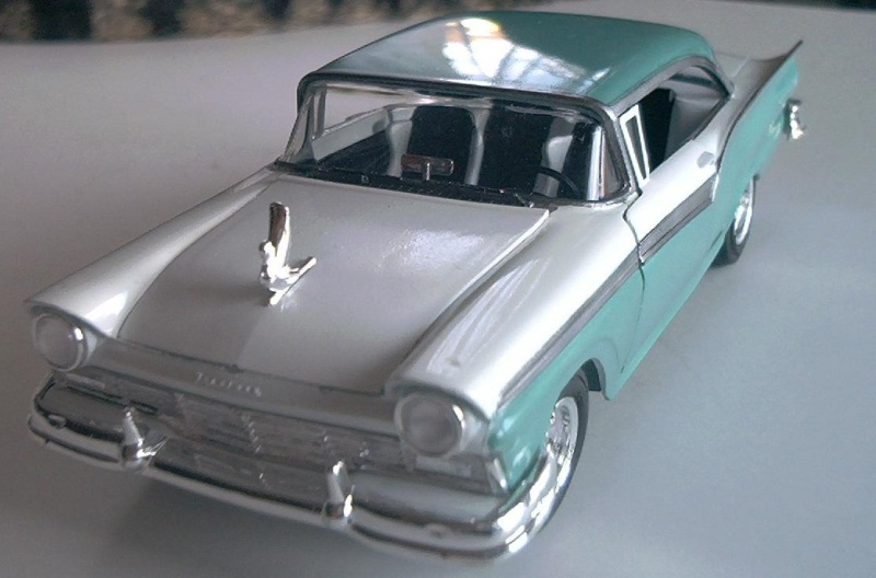 Ford Fairlane von AMT 1/25 & Hemi Cuda Ford_f13