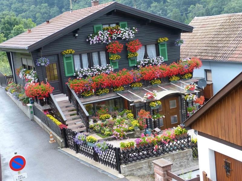 Maison fleurie Chalet11