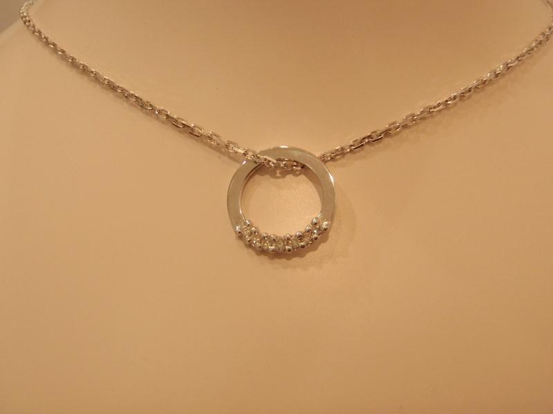 Pendentif or blanc 18 carats diamants P8090011