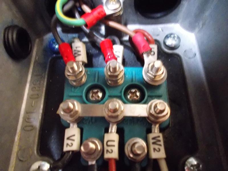 inversion du sens de rotation d 39 un moteur 220v tri avec condensateur. Black Bedroom Furniture Sets. Home Design Ideas