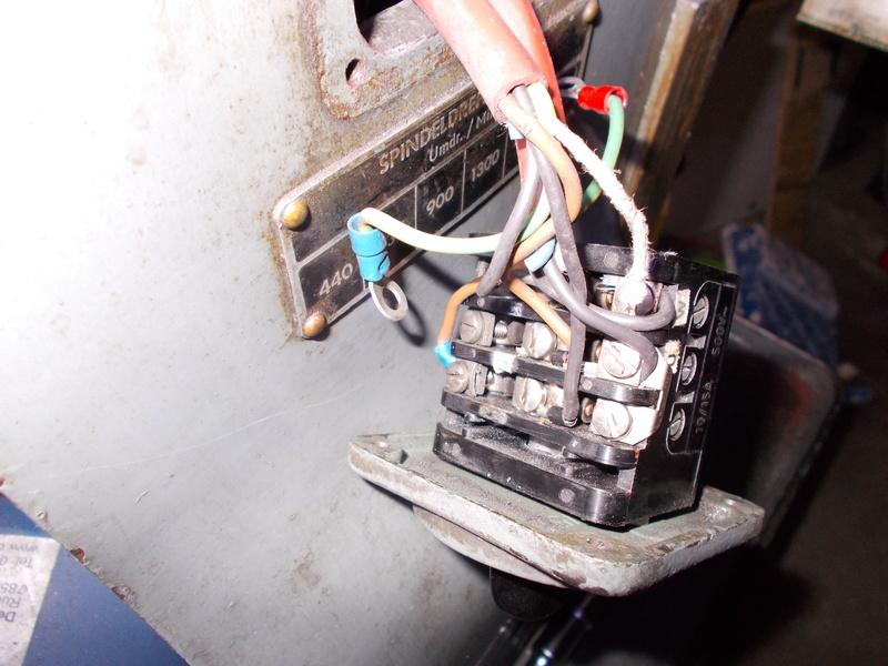 Inversion du sens de rotation d'un moteur 220V tri avec condensateur Dscn0215