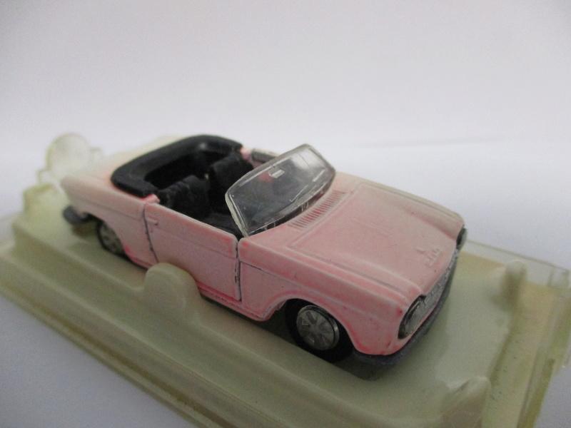 N°230 Peugeot 204 cabriolet - Page 2 204_0012