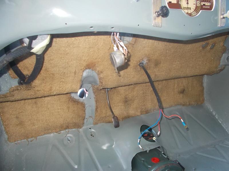 Mon montage à l'echelle 1 ,  Renault Juvaquatre 1954 - Page 3 Isolat10