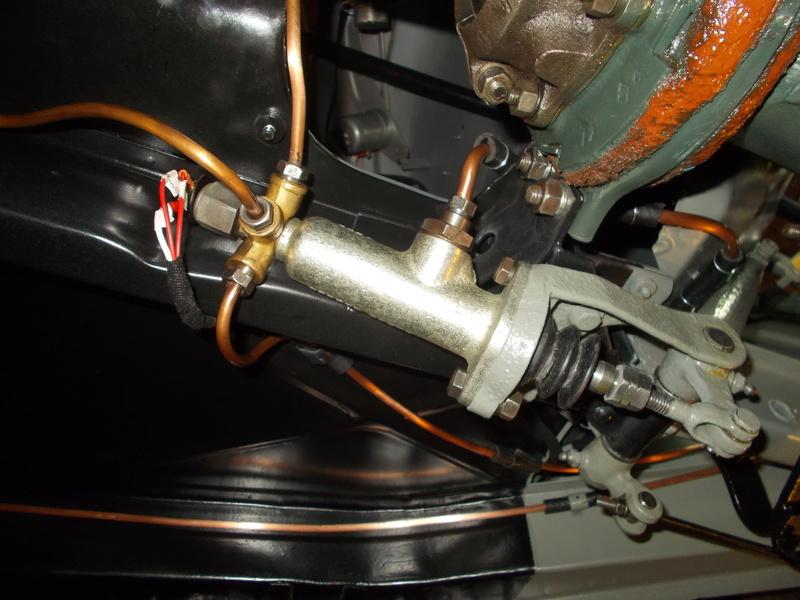 Mon montage à l'echelle 1 ,  Renault Juvaquatre 1954 - Page 3 Remont17